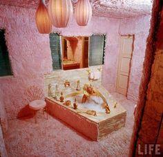 Jayne in her plush pink bathroom!