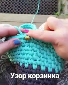 Boa tarde gente. Mais um ponto para vocês aprenderem  From @fetroland #pontodecroche #videoaula #fiosdemalha #trapillo #crochet
