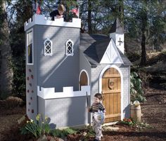 Your little knights will not just learn knightly conducts but will also be able to explore knightly adventures in a castle playhouse! Description from homedesignlover.com. I searched for this on bing.com/images