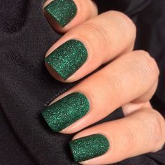 Glossy emerald glittery tips usually not a van of green but i 253 likes 5 comments a d e l i n a mimera929 on instagram prinsesfo Image collections