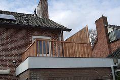 Dit houten balustrade hek van geschaafd Lariks Douglas hout is ideaal voor buitengebruik. De hoogte is 70 cm met een lengte van 2.8 meter. Hierdoor behoud je zicht, terwijl je dakterras wel een afsluiting heeft gekregen. House Styles, Home Decor, Seeds, Decoration Home, Room Decor, Home Interior Design, Home Decoration, Interior Design