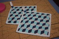 Topflappen genäht aus einem Panel, welches mit dem Fabric Weaving Bord erzeugt wurde.