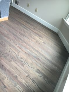 Impressive Tips: Parket Flooring Renovation flooring plans stairs. Oak Laminate Flooring, Refinishing Hardwood Floors, Grey Flooring, Flooring Ideas, Terrazzo Flooring, Brick Flooring, Penny Flooring, Pallet Floors, Grey Laminate