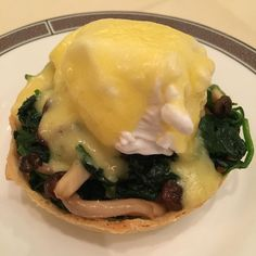 A day does not pass without food. Girolle mushroom spinach and duck egg tartlet. Oozing yolk. #palmcourt #langhamlondon #langham #duckegg by lipidicious