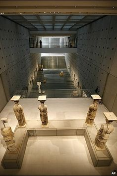 GREECE CHANNEL | The new Acropolis museum - Something is missing there....!