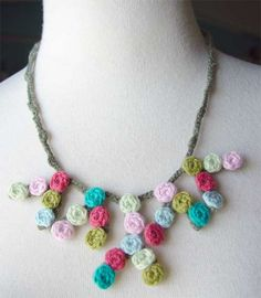 crochet dots necklace by meekssandygirl, via Flickr
