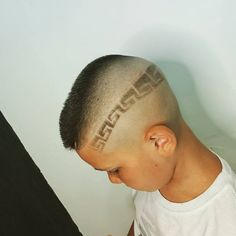 Sasy (@sasyraf.barber.saloon) • Instagram photos and videos High And Tight, Mens Hair Trends, Bald Fade, Bowl Cut, Comb Over, Crew Cuts, Mullets, Pompadour, Fade Haircut