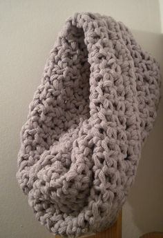 Snood crochet, par virginie karakus tuto : http://ohboutdufil.canalblog.com/