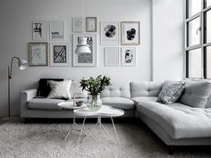 #LivingRoom #Minimalist Awesome 88 Minimalist Living Room Decor Ideas You Can't Resist. More at http://88homedecor.com/2017/09/01/88-minimalist-living-room-decor-ideas-cant-resist/