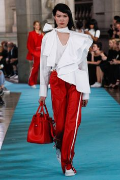 Off-White Spring 2017 Ready-to-Wear Fashion Show - Angelica Erthal