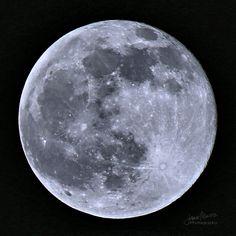 Full moon - 05-14-2014 Canon EOS 70D Tamron 70-300mm