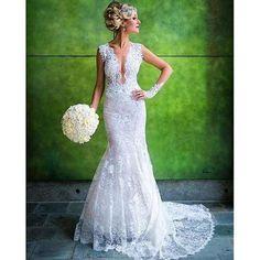 Breathtakingly exquisite for @inesdisanto bride on her wedding day!!! #inesdisanto#sophisticatedbride #weddingdress #lacedress #bridalgown #weddinginspo #bridetobe #justnegaged #nybfw #fashionweek #bridalweek #lacedetails #mondaymotivation #bridaldesigne