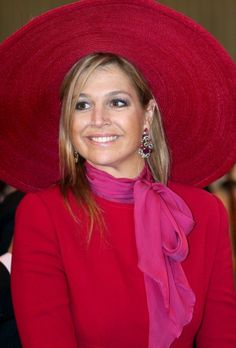 Máxima's rode hoed van Delvigne | ModekoninginMaxima.nl