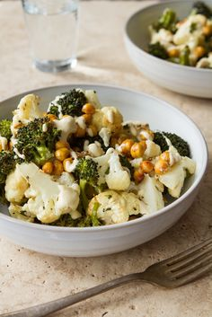 Roasted Buddha Bowl- Roasted Broccoli, Cauliflower, and Chickpeas with Lemon Tahini Sauce Veggie Recipes, Whole Food Recipes, Vegetarian Recipes, Cooking Recipes, Healthy Recipes, Vegan Vegetarian, Easy Recipes, Dinner Recipes, Clean Eating