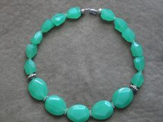 Chunky Green Statement necklace! This bold made to order statement necklace features chunky green faceted beads. This necklace is closed with a lobster claw clasp! Comes gift wrapped in a nice gift box! Can be made with different color beads!