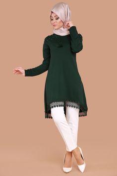 ** YENİ ÜRÜN ** Omuzları İncili Tunik Zümrüt Ürün kodu: BİSS7569 --> 39.90 TL Modele Hijab, Clothing, Fashion, Outfits, Moda, Clothes, Fashion Styles, Outfit Posts, Fashion Illustrations