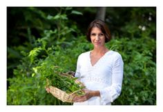 Natural healing for your thyroid -- plants and minerals support your thyroid #womentowomen