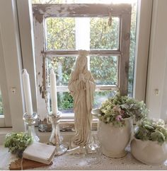 http://frkhall.blogspot.dk/ My shabby chic white romantic home