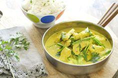 Lettvint og kjapp curry til travle hverdager Coleslaw, Couscous, Thai Red Curry, Dinner, Ethnic Recipes, Glad, Cilantro, Lasagna, Dining