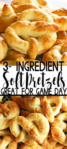 Warm soft & buttery Soft Pretzels are so easy to make! They can be … Warm soft & buttery Soft Pretzels are so easy to make! They can be topped with traditional sea salt or cinnamon & sugar for a sweet treat! Homemade Soft Pretzels, Homemade Bagels, Pretzels Recipe, Easy Pretzel Recipe, Appetizer Recipes, Snack Recipes, Cooking Recipes, Bread Recipes, Appetizers