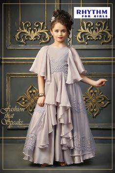 Kids Dress Wear, Kids Gown, Fancy Dress, Gowns For Girls, Little Girl Dresses, Girls Dresses, Dress Anak, Baby Frocks Designs, Lehnga Dress