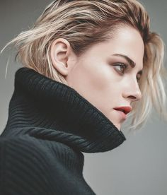 Actress Kristen Stewart lands the cover story of The New York Times T Style Magazine's Women's Fashion issue captured by fashion photographer Karim Sadli. New York Times, Ny Times, American Actress, Short Hair Styles, Hair Beauty, Hairstyle, Celebs, Hollywood, Actresses