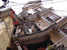 Erdbeben in Nepal. Earthquake in Nepal. Auch dieses Wohnhaus ist nun unbewohnbar.. Erdbeben in Nepal. Bilder aus Nepal und Indien