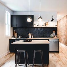 """Montreal Interior Designer 🌸's Instagram photo: """"Hello black kitchen. 🖤 #stephaniefortierdesign"""" Modern Kitchen Cabinets, Kitchen Cabinet Design, Modern Kitchen Design, Interior Design Kitchen, Modern Interior Design, Minimal Kitchen, Island Kitchen, Small Apartment Interior Design, Elegant Kitchens"""
