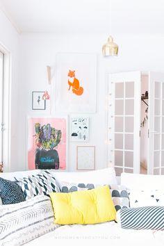 Cómo decorar un salón a todo color