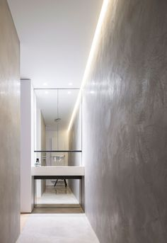 Private Residence, Knesselare (BE) - ПРОЕКТ - Delta Light Cove Lighting, Indirect Lighting, Lighting Design, Home Interior, Interior Architecture, Interior Decorating, Bathroom Lighting Inspiration, Concrete Bathroom, Concrete Wall