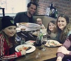 having pizza with the family! Matthews Rhys, Keri Russell, Keira Knightley, Celebrity Babies, Family Goals, Movies Showing, Style Icons, American, Couples