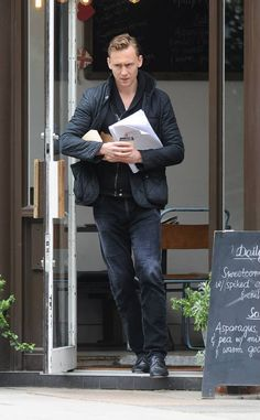 Tom Hiddleston at a Café in London, June 10, 2013