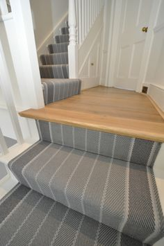 Hall Carpet Runners For Sale Code: 7383488974 Stairway Carpet, Hall Carpet, Striped Carpet Stairs, Style At Home, Stair Landing, Landing Decor, White Carpet, House Stairs, Basement Stairs