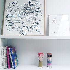 Garder son âme d'enfant: des objets déco aux accents enfantins, les Kokeshis Ziggy et Anna par Lucie Kass, illustrations à l'encre de chine par mademoiselle 2bouche. Projet JACOB, Paris 6ème. #mademoiselle2bouche #illustration #kokeshi #davidbowie #annawintour #décoration #lifestyle #homedesign #inspiration