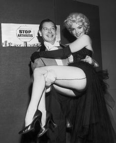 Marilyn Monroe and Milton Berle for the Arthritis and Rheumatism Association fundraising benefit organized by Mike Todd and the Ringling Brothers Circus, at Madison Square Garden, March Mike Todd, Milton Greene, Milton Berle, Classic Hollywood, Old Hollywood, Marilyn Monroe Fotos, Marylin Monroe Body, Norma Jean Marilyn Monroe, Weegee