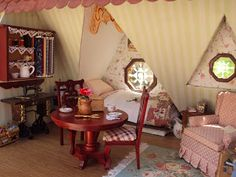 Antique Daisy: The Orchid Bedroom