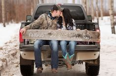 Outdoor Country Winter Engagement / Danica Sullivan Photography