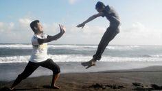 """""""Jurus jitu"""" at Depok Beach"""