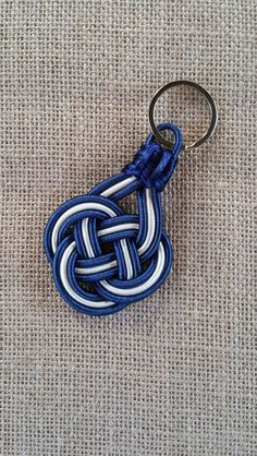 Keyring keychain Celtic Nautical knot by NAUTI NARWHAL / Preppy / NY Yankees / Navy & White /