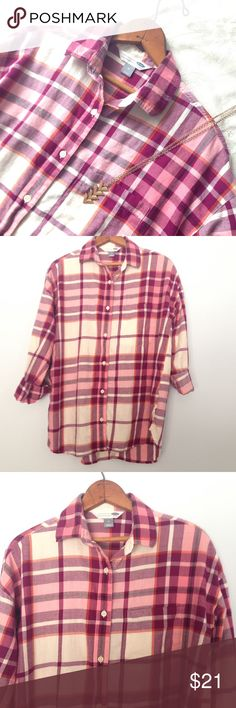 🆕 Old Navy raspberry plaid flannel button down Flannel shirts are always a favorite! This cute flannel button down from Old Navy is a perfect mate for yoga pants or jeans and boots! Size medium, new without tags. Never worn. Old Navy Tops Button Down Shirts