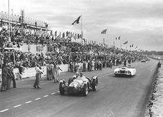 Le Mans 1950, looks like Cunninghams Le Monstre in the back