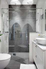 Znalezione obrazy dla zapytania small black bathroom