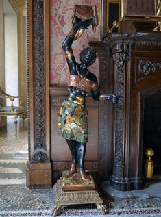 Milan (Italy): A statue with exotic subject in Morando Palace