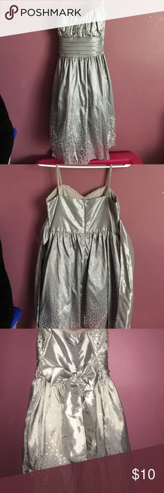 Beautiful silver formal dress Stunning silver dress, worn once to a formal Macy's Dresses Mini