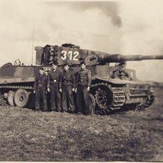 "Pz.VI Tiger from 2 Kp./schwere SS-PzAbt 101 ""312"" and crew. Kdr. was SS-Oberscharführer Peter Kisters"