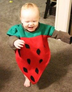 Cute and inexpensive strawberry costume  sc 1 st  Pinterest & Borsa porta-coriandoli | Lu0027ho fatto io... (lavori di bimbumBeta ...