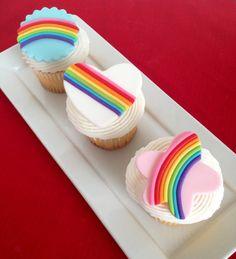 Retro Rainbow Cupcake Toppers by FondantFantasy on Etsy Kid Cupcakes, Holiday Cupcakes, Yummy Cupcakes, Chocolate Chip Cake, Chocolate Recipes, Mint Chocolate, Brownie Recipes, Rainbow Loom, Cupcake Rainbow