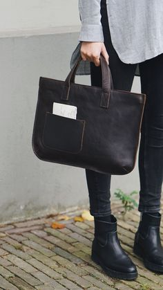 f99505859ea27 Big leather bag from Keecie that can hold your macbook but does not look  like an
