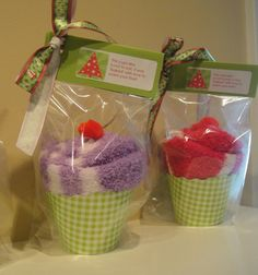 My version of the sock cupcakes--Christmas gifts for teachers this year. They loved them! (christmas party treats for kids teacher gifts) Christmas Gift For Daycare Teacher, Daycare Gifts, Cheap Christmas Gifts, Christmas Fun, Holiday Fun, Holiday Gifts, Homemade Gifts, Diy Gifts, Sock Cupcakes