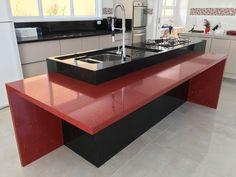 Projeto e obra Pardini Arquitetura - Ilha gourmet cozinha residencial executados no granito são gabriel e vermelho estrelar.